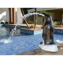 Cascata Pinguim Em Fibra Portátil Para Piscina
