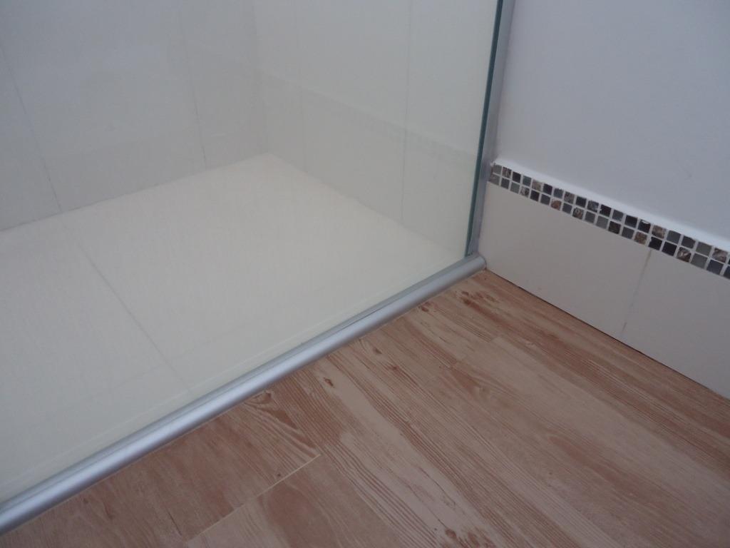 Imagens de #556076 Piso Vinílico De Pvc R$ 46 90 no MercadoLivre 1024x768 px 2996 Box Banheiro De Pvc