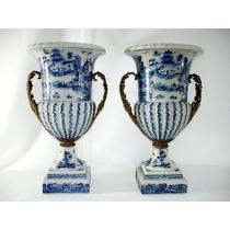 Par De Ânforas Em Porcelana Europeia E Puro Bronze Magnífico