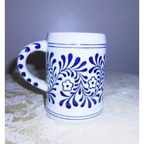 Xicara/caneca Porcelana Azul E Branca Trabalhada Em Baixo