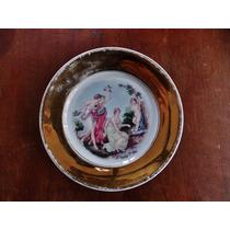 Antigo Prato Com Figuras Renascentistas De Mulheres Querubim