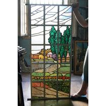 Vitral Colorido Com Paisagem De Casas, Jardins E Pinheiros.