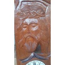 Antigo Relogio Com Rosto De Jesus Cristo De Madeira