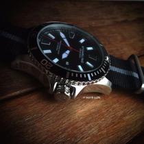 Relógio Stührling Diver 200m Professional Novo