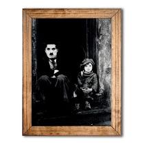 Quadro Foto Charlie Chaplin Com Criança C/ Moldura