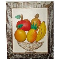 Quadro Frutas Sobrepostas Madeira Fundo Branco (21x25,5cm)