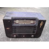 Rádio Antigo De Madeira Década 40/50 Pilot Rádio