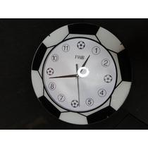 Relogio Futebol Esportivo Bola Em Relevo Copa 2014 33 Cm