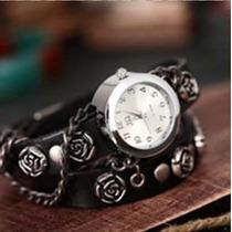 Relógio Estilo Bracelete De Couro Com Rosas Na Pulseira