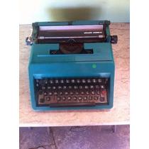 Máquina De Escrever Olivetti Studio 45 Antiga