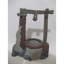 B. Antigo - Poço Figura De Presépio Em Resina Espanhola