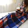 Cobertor Com Mangas Em Soft Adulto - Xadrez Azul - Lux Confo