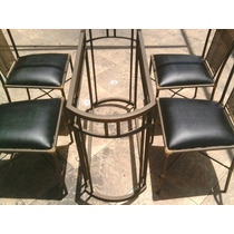 Mesa Oval Com 4 Cadeiras Em Ferro Com Junco Sintetico
