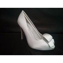Sapato De Noiva Com Flor E Salto Em Strass