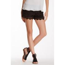 Short Em Camadas De Renda - Bege/preta (tamanho Único)