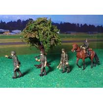 Diorama - 4 Soldados Da 2ª Guerra Mundial - 1/72