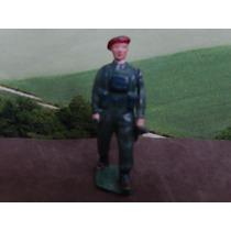 Soldadinho De Chumbo Soldado Com Fuzil No Braço Esquerdo