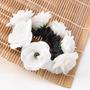 Grampo Fru Fru Elastico Com Flores Branco Coque
