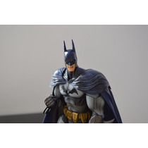 Batman Estátua - Arkham City - Play Arts Kai