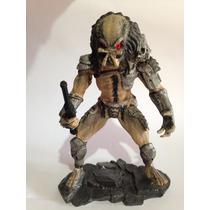 Predador Em Resina Pintado A Mão