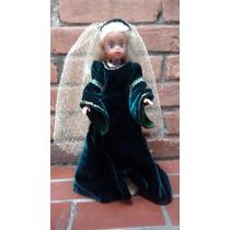 Boneca Susi - Dama Medieval (sem Pedestal)