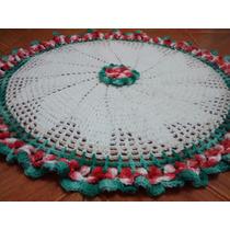 Tapete Redondo De Crochê Com Flor No Centro 71cm