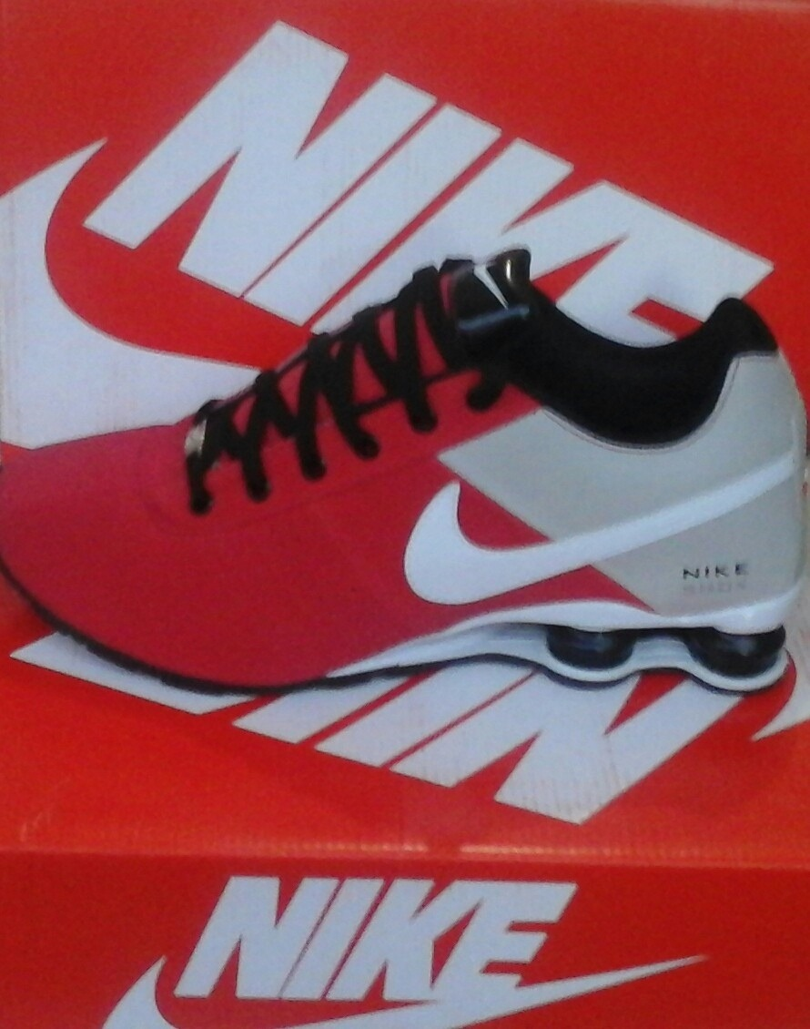 finest selection 11c5d 31400 nike shox deliver