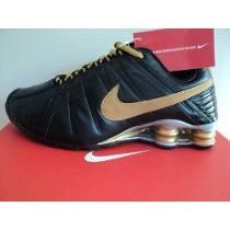 outlet store ea5f0 e2a74 ... tênis nike shox junior dourado . ...