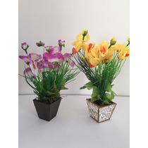 Arranjo De Orquídeas Artificiais, Em Vaso De Madeira