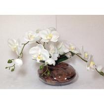 Arranjo De Orquídeas Brancas Em Silicone No Vaso De Vidro
