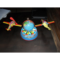Brinquedo De Lata Antigo Globo Terrestre Com Dois Aviões