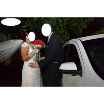 Vende-se Lindo Vestido De Noiva Com Brinde