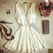 Vestido Com Decote Tule Com Pérolas Curto Rodado Fim De Ano