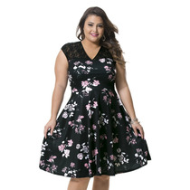 Moda Plus Size - Lindo Vestido Preto Florido