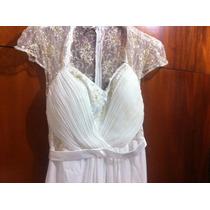 Vestido De Noiva Simples E Arranjo De Cabelo
