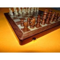 Jogo De Xadrez - Tabuleiro E Peças Em Madeira - Oficial