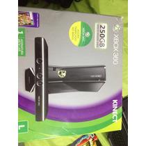 Xbox 360 (250 Gb) + 2 Controles + Kinect + 2 Jogos