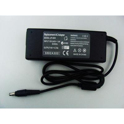 Fonte Carregador Notebook Samsung 19v 4,74a 90w Bivolt - R410 R460 R505 R510 R519 R520 R522 R530 R580 R560 R610 R620 R700 R710 R720 R730 R780