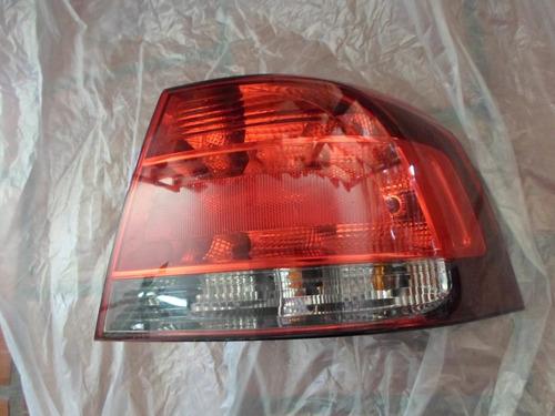 Lanterna Traseira Voyage 2010 Fumê Lado Direito Original
