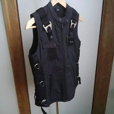 Comprar Colete Da Oakley Ap Vest « Heritage Malta 85a73dc84da8c