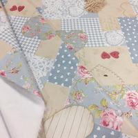 Tecido corino azul com creme patchwork - Larg. 1,40 m