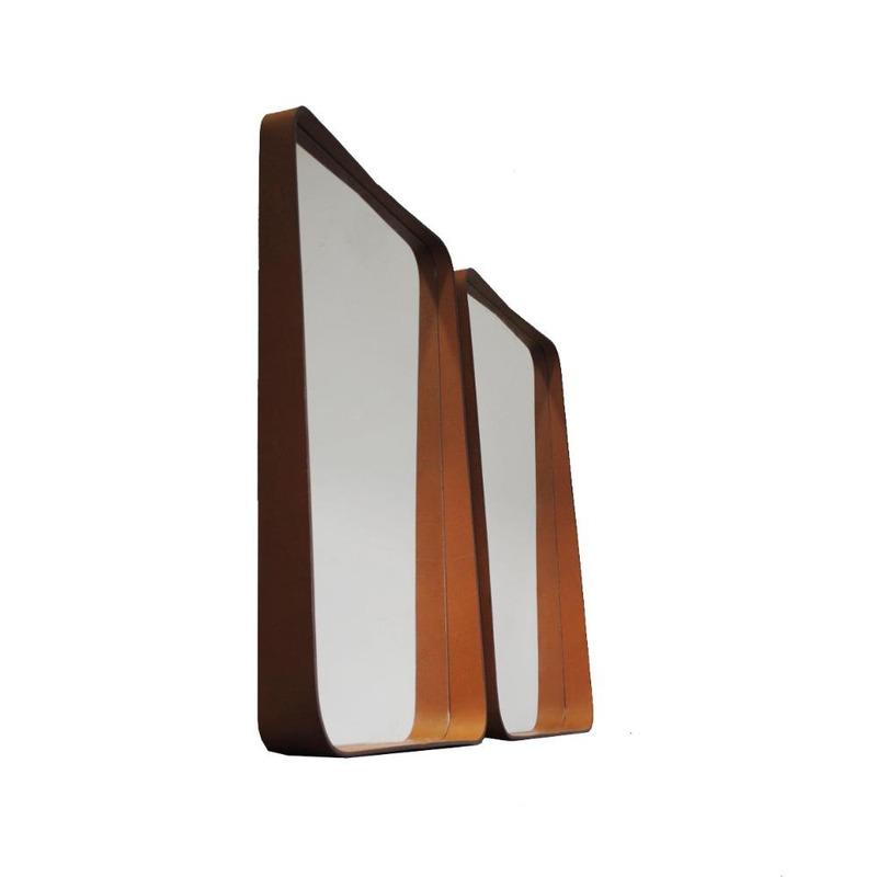 Espelho Brunei Oruy em Couro Legítimo 60cm x 90cm.