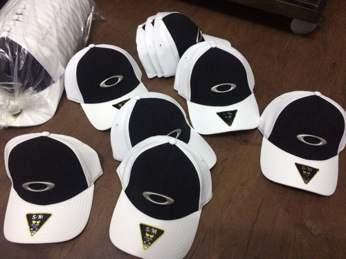 ... comprar Bone Oakley Tincan Oval Branco Com Preto S m Original Novo ... e97fc0f68a7