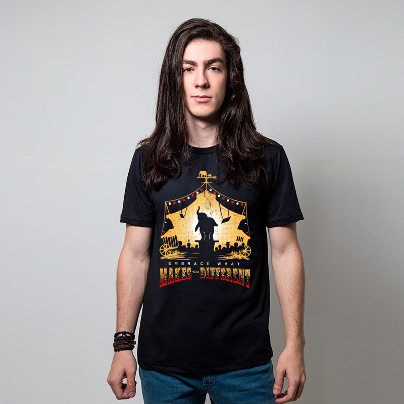 CAMISETA PRETA - FLYING ELEPHANT