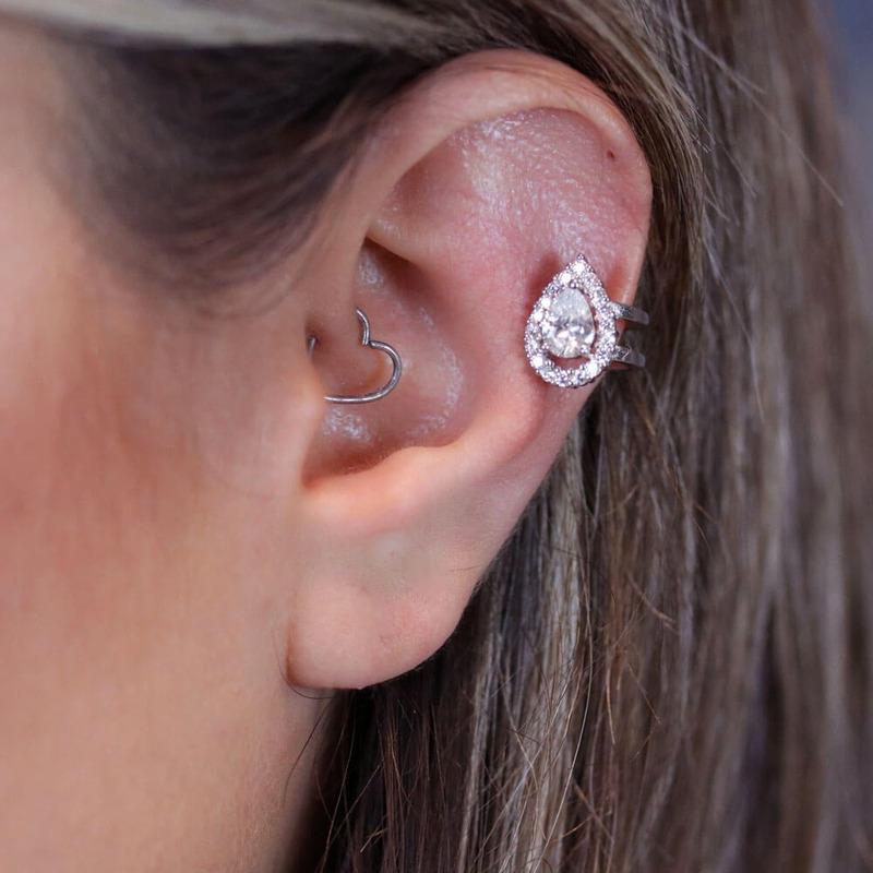 Brinco piercing pressão gota em zircônia branca orelha esquerda - BR030044