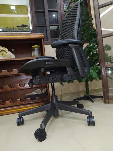 Cadeira Herman Miller Celle Impecável +  Sp Original