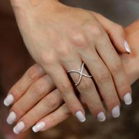 Anel X prata 925 cravejado em zircônia cristal - AN030305