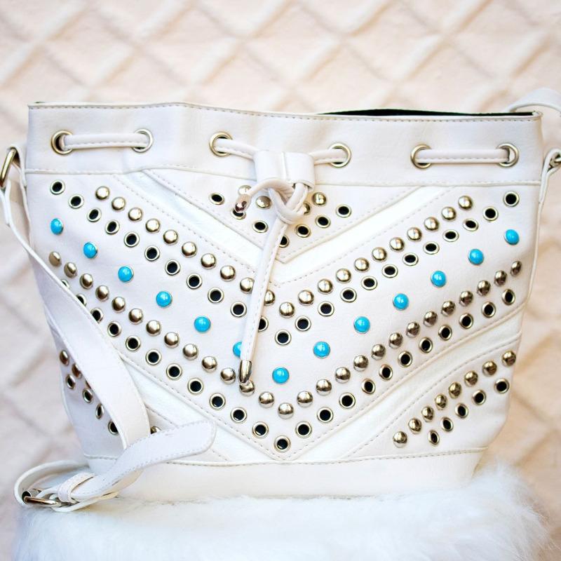 Bolsa white detalhe taxinhas - BLS00004