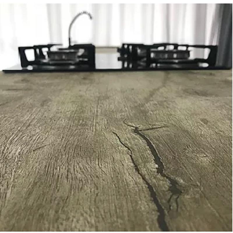 Adesivo que imita madeira de demolição  Larg. 1,22m