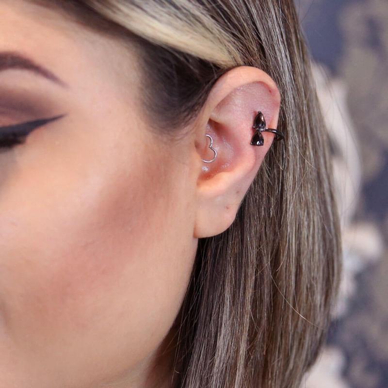 Brinco pressão gota black em ródio negro orelha direita - BR030022
